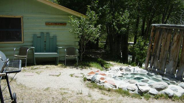 cabin1-yard