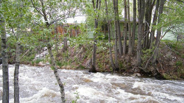 cabin2-creek