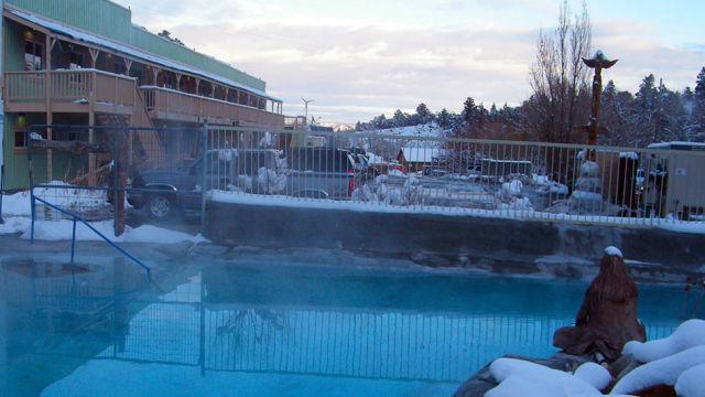 pool-lodge